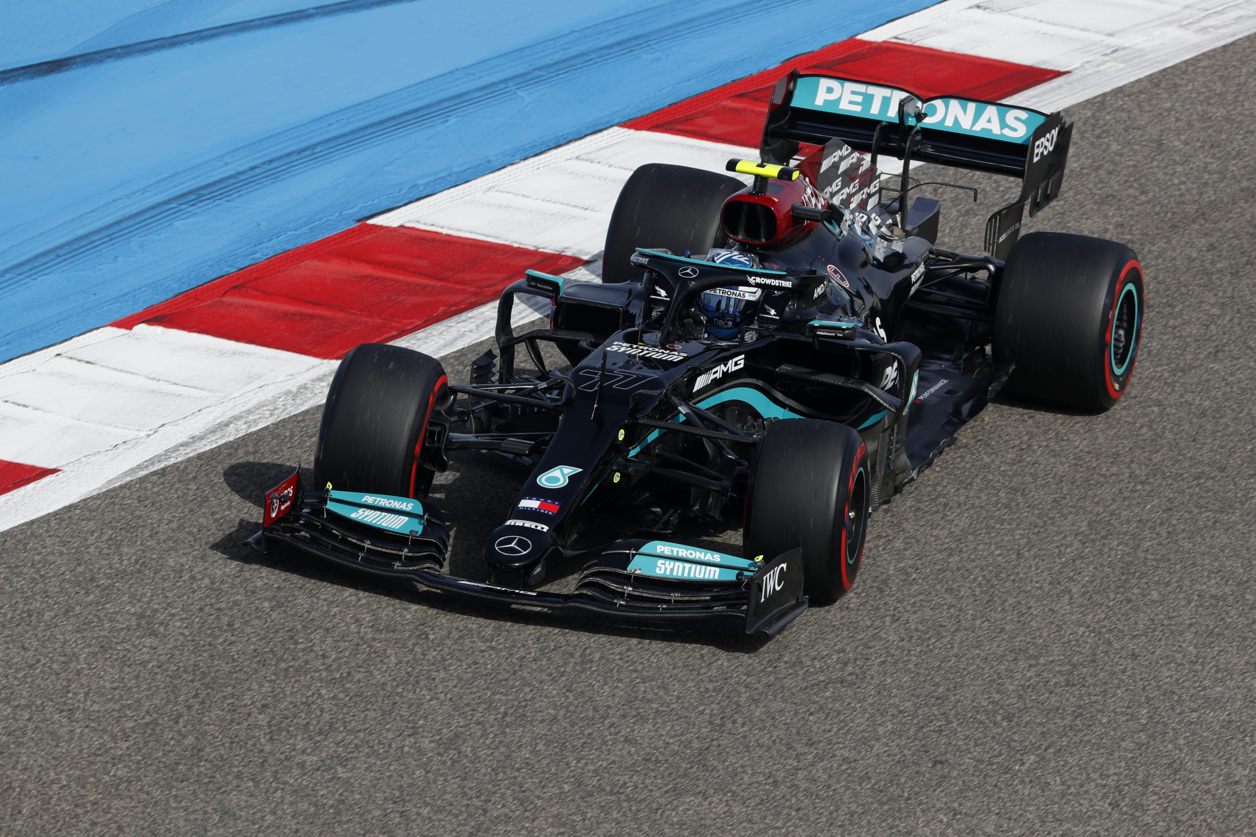 Valtteri Bottas, Mercedes, 2021 Bahrain Grand Prix, Friday - LAT Images